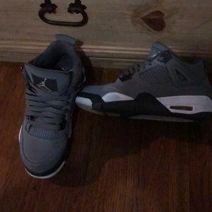 Jordan 4s size 7y